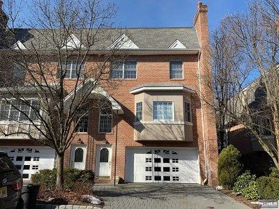 Cresskill Condo/Townhouse For Sale: 112 Stonegate Trail