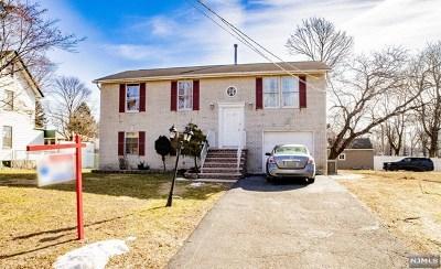 Teaneck Single Family Home For Sale: 1093 Arlington Avenue