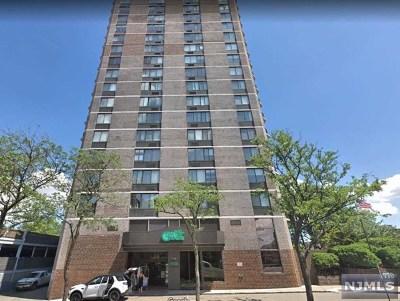 Cliffside Park Condo/Townhouse For Sale: 770 Anderson Avenue #18h