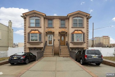 Secaucus Condo/Townhouse For Sale: 861 Hudson Avenue #B