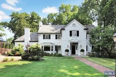 Teaneck Single Family Home For Sale: 483 Winthrop Road