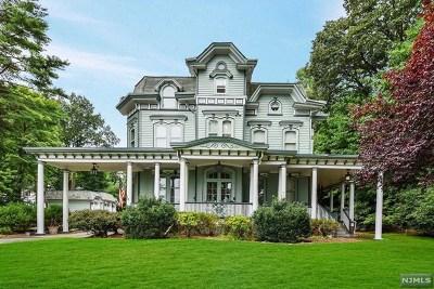 Ridgewood Single Family Home For Sale: 226 Prospect Street