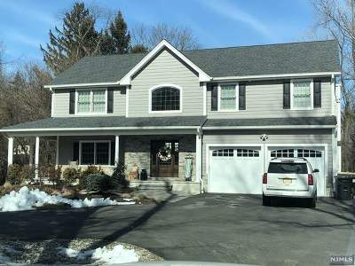 Montvale Single Family Home For Sale: 1 Roberts Road