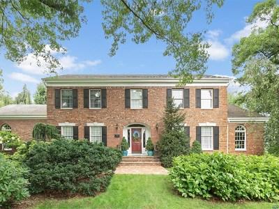 Ridgewood Single Family Home For Sale: 397 Stonycroft Road