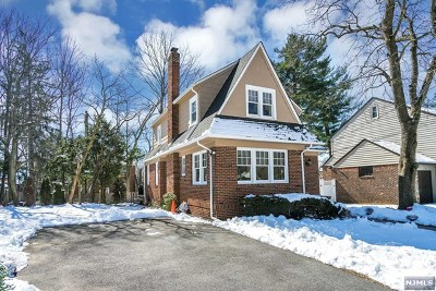 Englewood Single Family Home For Sale: 336 West Ivy Lane