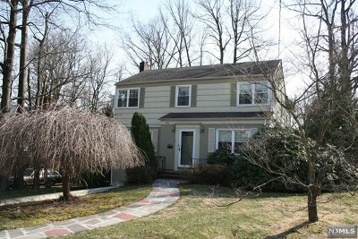 Teaneck Single Family Home For Sale: 476 Forest Avenue