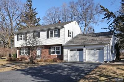 Ridgewood Single Family Home For Sale: 615 Kingsbridge Lane
