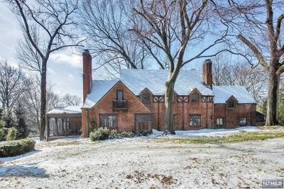 Ridgewood Single Family Home For Sale: 388 Stonycroft Road