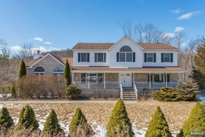 Ringwood Single Family Home For Sale: 159 Burnt Meadow Road