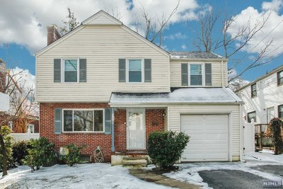Teaneck Single Family Home For Sale: 50 Degraw Avenue