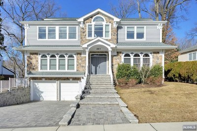 Teaneck Single Family Home For Sale: 693 Downing Street