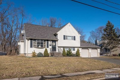 Waldwick Single Family Home For Sale: 89 White Pond Road