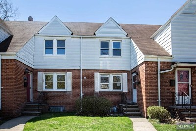 Englewood Condo/Townhouse For Sale: 66 Knapp Place
