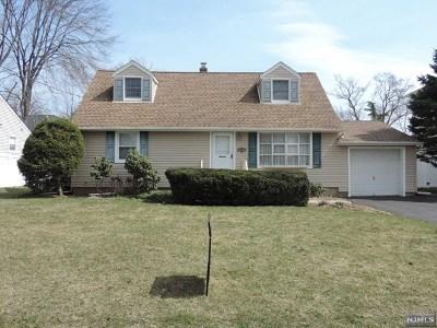 Paramus Single Family Home For Sale: 536 Salem Street