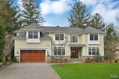 Ridgewood Single Family Home For Sale: 508 Stevens Avenue