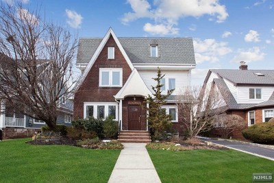 Teaneck Single Family Home For Sale: 1306 Dickerson Road