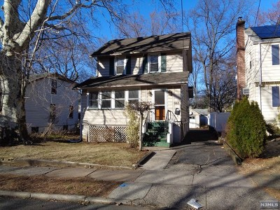 Teaneck Single Family Home For Sale: 563 Kenwood Place