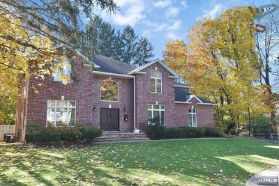 Closter Single Family Home For Sale: 12 Arthur Court