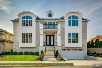 Fort Lee Single Family Home For Sale: 350 Riverdale Drive