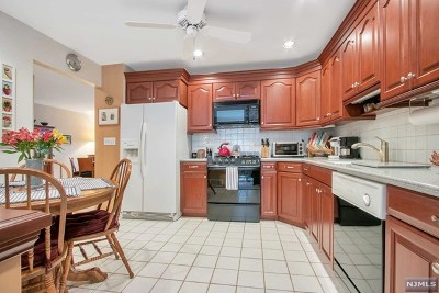 Mahwah Condo/Townhouse For Sale: 131 Fisher Road