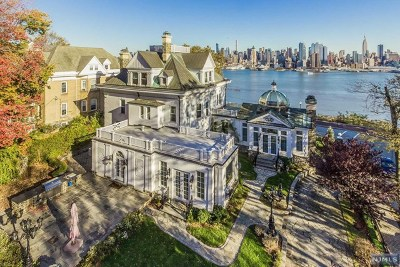 Weehawken Single Family Home For Sale: 1 Hamilton Avenue
