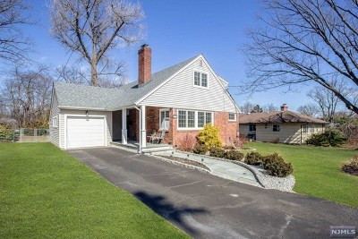 Tenafly Single Family Home For Sale: 73 Woodmere Lane