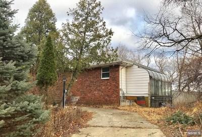 Woodland Park Single Family Home For Sale: 22 Oak Ridge Road