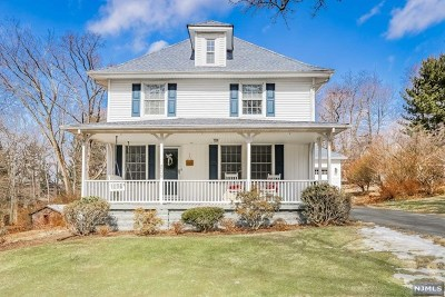 Mahwah Single Family Home For Sale: 209 Mahwah Road