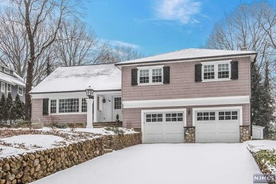 Ridgewood Single Family Home For Sale: 588 Upper Boulevard