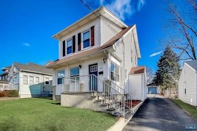 Rochelle Park Single Family Home For Sale: 388 Rochelle Avenue