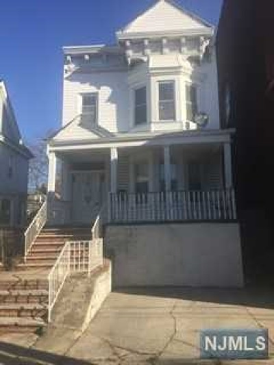 Hudson County Single Family Home For Sale: 208 Harrison Avenue