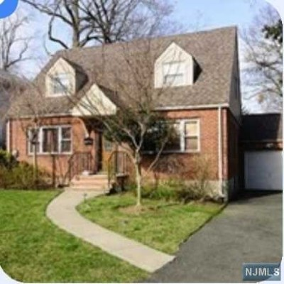 Teaneck Single Family Home For Sale: 195 Hargreaves Avenue