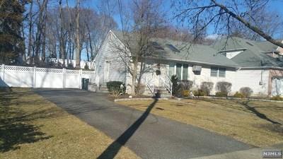 Paramus Single Family Home For Sale: 41 Azalea Street