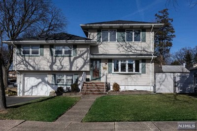 Hasbrouck Heights Single Family Home For Sale: 86 Woodside Avenue