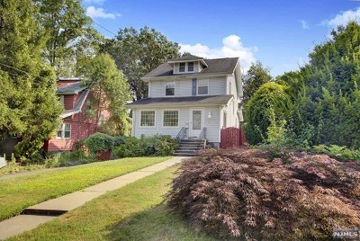 Teaneck Single Family Home For Sale: 86 Copley Avenue