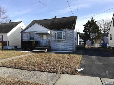 Saddle Brook Single Family Home For Sale: 270 Schepis Avenue