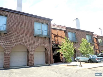 Teaneck Condo/Townhouse For Sale: 8 Millay Court