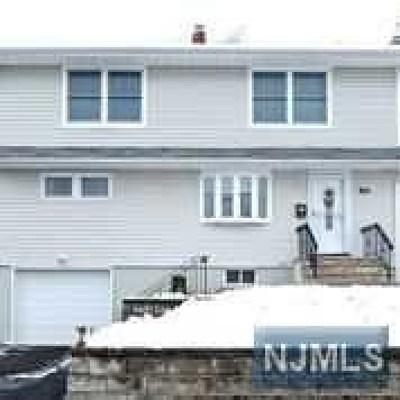 Totowa Single Family Home For Sale: 90 Highview Avenue