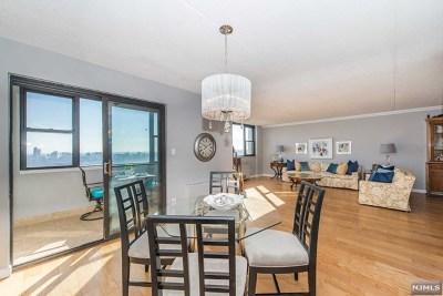 Cliffside Park Condo/Townhouse For Sale: 250 Gorge Road #26j