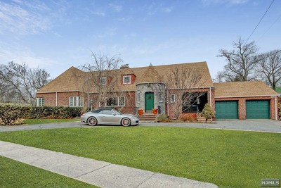 Fort Lee Single Family Home For Sale: 125 Bluff Road