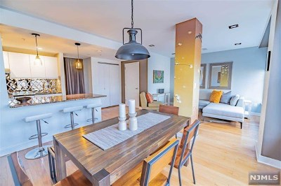 Jersey City Condo/Townhouse For Sale: 222 Montgomery Street #5k