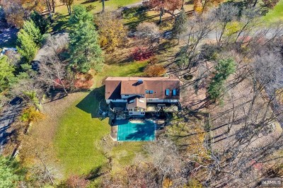 Franklin Lakes Single Family Home For Sale: 268 Edgewood Road