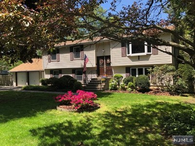 West Milford Single Family Home For Sale: 83 Krattiger Court