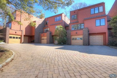 Englewood Condo/Townhouse For Sale: 7 Oak Trail Road