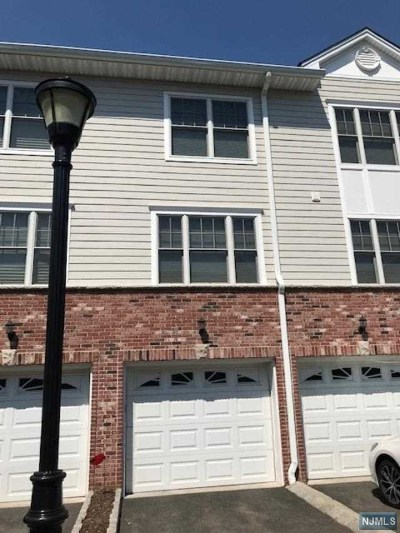 Hasbrouck Heights Condo/Townhouse For Sale: 10 Terrace Avenue #7
