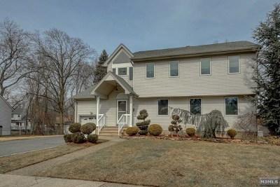 Fair Lawn Single Family Home For Sale: 39-13 Knott Terrace