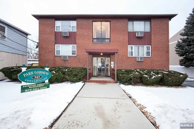 Lyndhurst Condo/Townhouse For Sale: 747 Riverside Avenue #B6