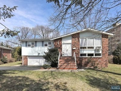 Fort Lee Single Family Home For Sale: 35 Virginia Avenue