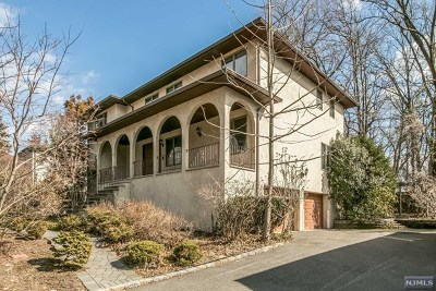 Englewood Cliffs Single Family Home For Sale: 33 Summit Street