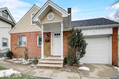 Englewood Single Family Home For Sale: 19 Cottage Place